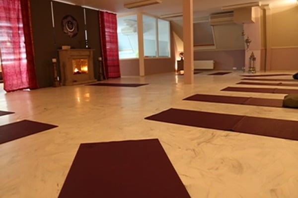 vlinder yoga studio kirtan mantra sommelsdijk middelharnis