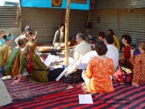 zingen voor Kathia Baba op de Kumba Melah Allahabad 2007